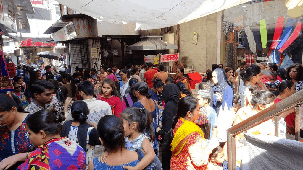 chauta bazar in surat for shopping